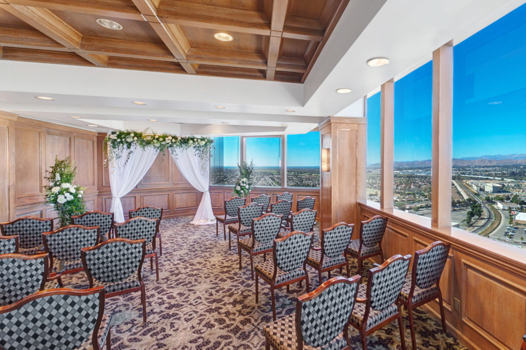 Pacific View Tower Club - Oxnard, California - Ventura County - Flying Doves - Wedgewood Weddings